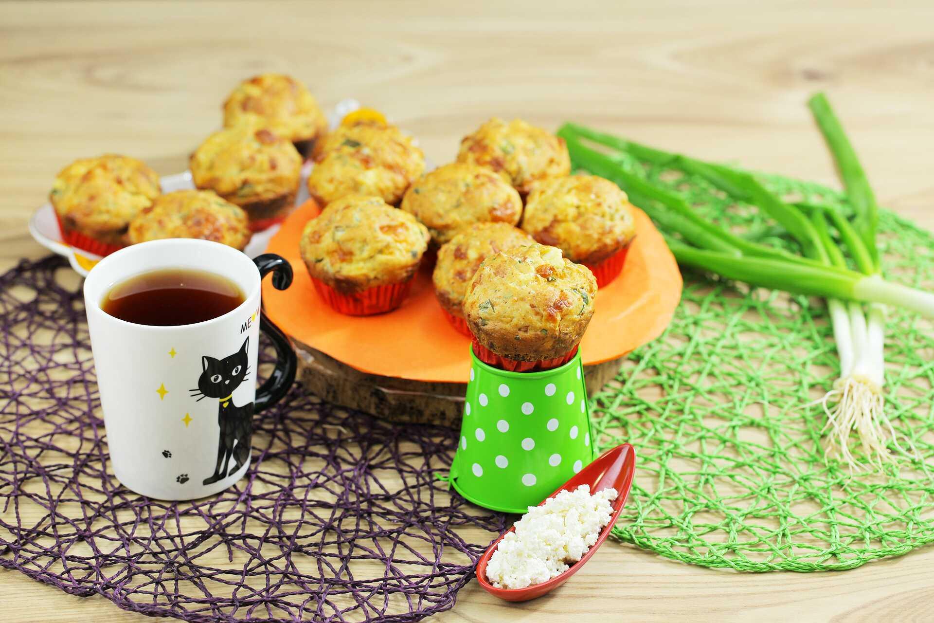 Lor Peynirli Zeytinli Tuzlu Muffin Tarifi | Tarifini Sevdim